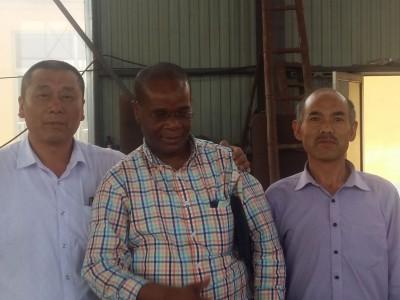 刚果客户来厂选购沙金矿提取设备