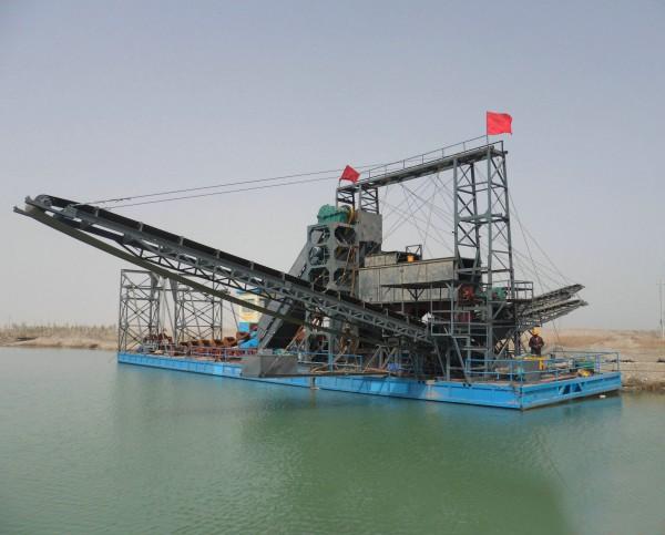 沙金船,采金船,河道挖金船